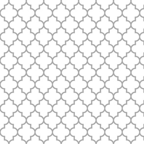 quatrefoil MED grey on white