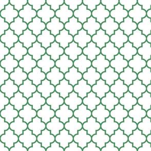 quatrefoil MED kelly green on white