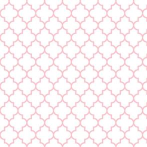 quatrefoil MED light pink on white