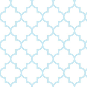 quatrefoil LG ice blue on white