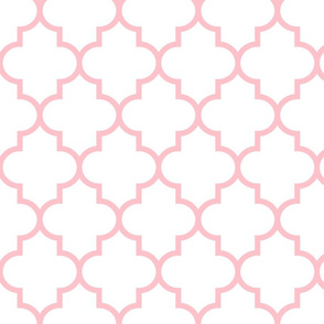 quatrefoil LG light pink on white