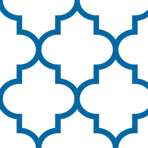 quatrefoil XL royal blue on white