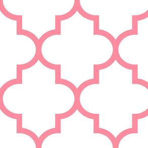 quatrefoil XL pretty pink on white