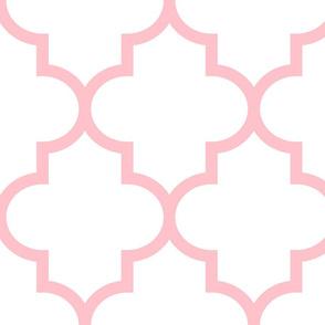 quatrefoil XL light pink on white