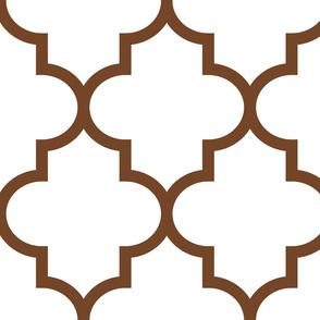quatrefoil XL chocolate brown on white