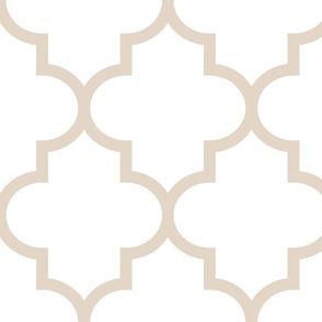 quatrefoil XL sand on white