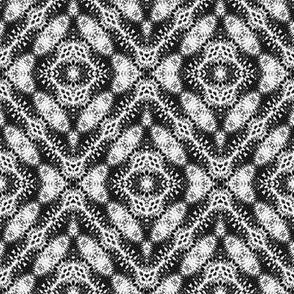 Black & White Paisley Diamonds