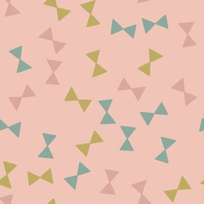 triangle scatter pink