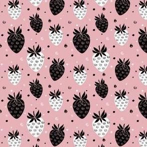 Strawberry & Curls - light pink
