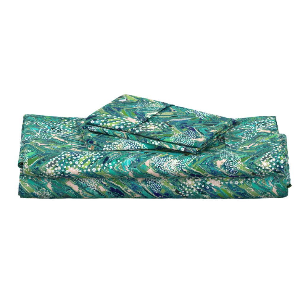 Langshan Full Bed Set featuring Hawaiian Hibiscus Filled Ocean Animals by kedoki by kedoki