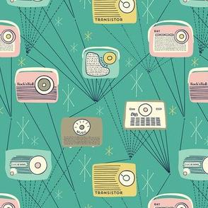 Mid-century Transistor Radio / Small Scale