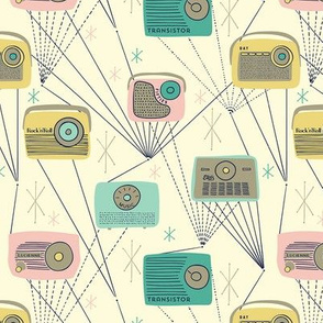 Mid-century Transistor Radio / Small Scale / Yellow