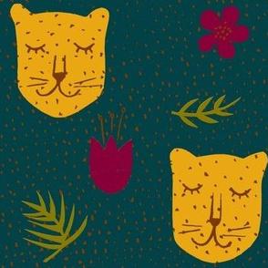 Spotty jungle leopards evergreen-ch
