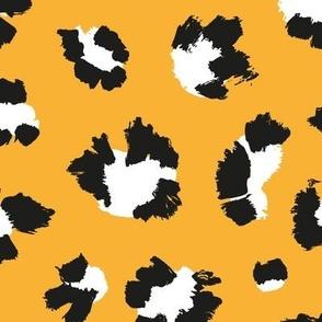 Leopard spots - amber
