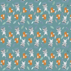 Print 7 bears and squirrels basis repeat autumn winter 2018-2019 boy dark green background grey blue and green 150 dpi