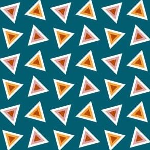 08138882 : triangle 4g : cozy