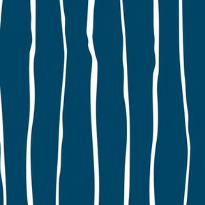 Wavy Stripes large scale (indigo)