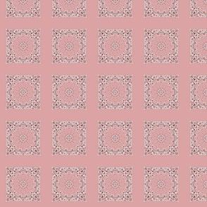 h000s026v087-Bandanna-Paisley Round-Pastel Pink