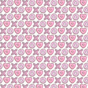 """(1/2"""" scale) X O  heart shaped donuts -  pink"""