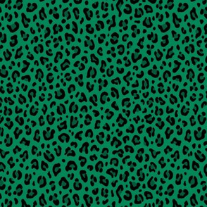 ★ LEOPARD PRINT in GREEN ★ Tiny Scale / Collection : Leopard spots – Punk Rock Animal Print