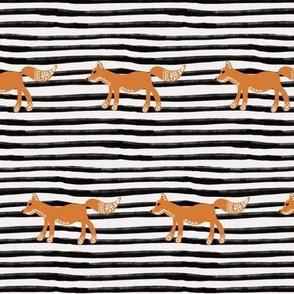 Folk Fox White Stripe