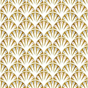 Art Deco Seashell Fans in gold and white