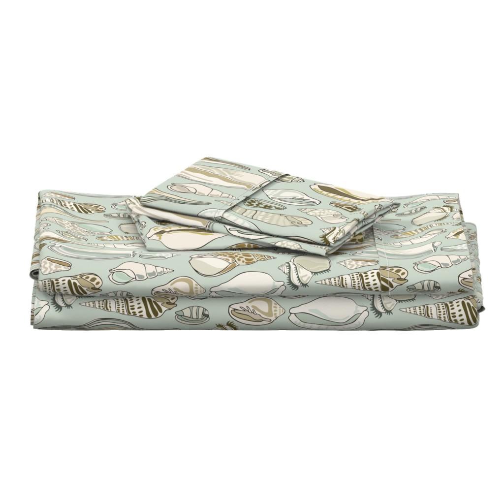 Langshan Full Bed Set featuring Shells - Aqua by fernlesliestudio