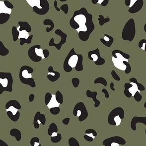 leopard print - army black white