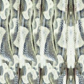19-09v Southwest Snakeskin Celadon Green Snake Animal
