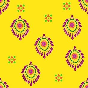 Paisley-yellow