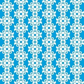 Star Trellis in Surf Blue