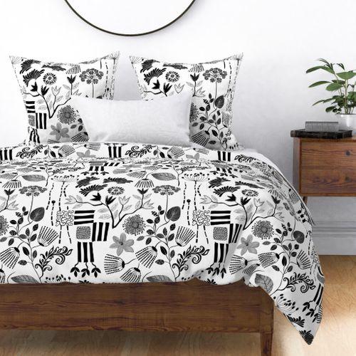 black white wallpaper print