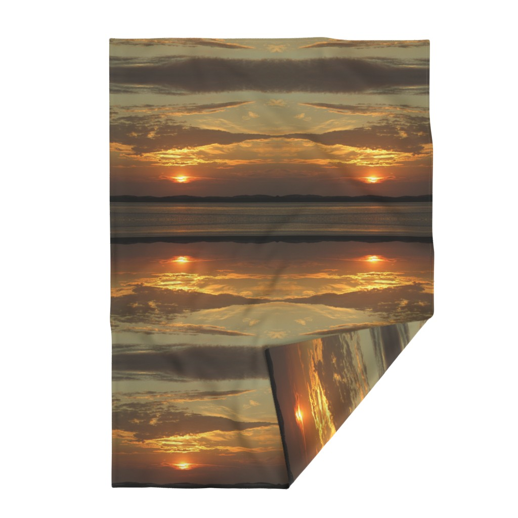 Lakenvelder Throw Blanket featuring Sunrise over Assateague by kittykittypurrs