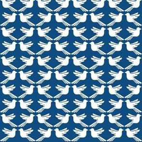 Bird Lattice Classic Blue and white small scale