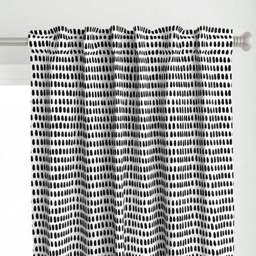 Dauby Dots -  black on white