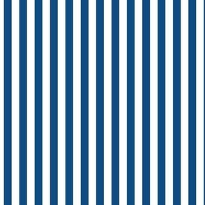 2020 classic blue stripes vertical - pantone color of the year