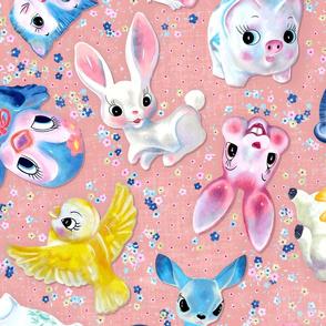 Kitschy figurines -  peach