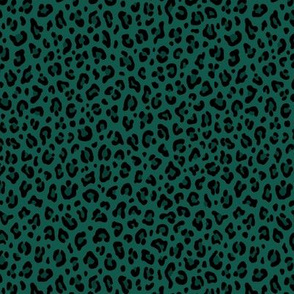★ LEOPARD PRINT in FOREST GREEN ★ Tiny Scale / Collection : Leopard Spots – Punk Rock Animal Prints