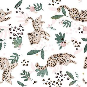 Cheetah - white pink - rotated