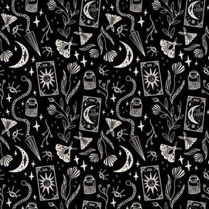 Gothic Witch - Black