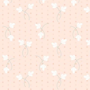 Carrie Floral Toss: Blushing Peach Small Floral