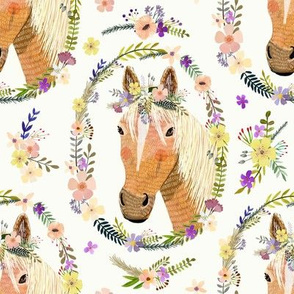 """8"""" Cute horse with flowers - white"""