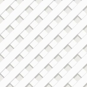 Trelliage CREAMY WHITE DIAGONAL TRELLIS