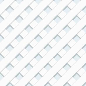 Trelliage SKY BLUE DIAGONAL TRELLIS